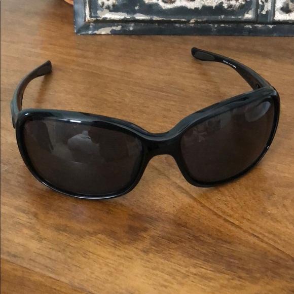 dc8655dc35ad Women s Oakley sport sunglasses. M 5b8c3f1bdcf85551395ac200